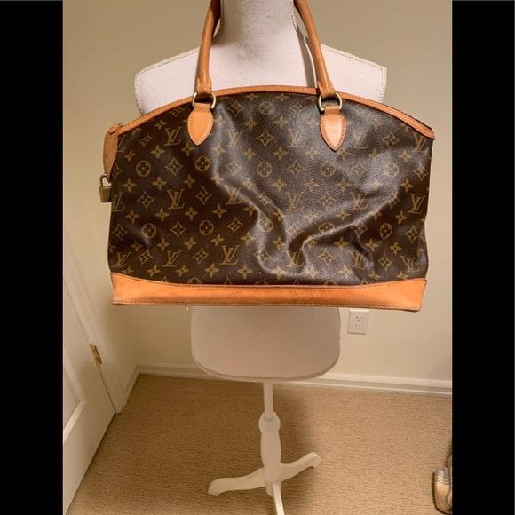 Louis Vuitton Handbags - An authentic Louis Vuitton handbag